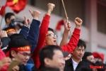 Phó Thủ tướng Vũ Đức Đam cuồng nhiệt cùng cổ động viên cổ vũ U23 Việt Nam