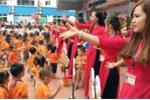 Cô trò cùng nhảy dân vũ sôi động trong lễ khai giảng năm học mới