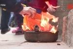 Hiểm họa cháy nổ từ thắp hương, đốt vàng mã ngày Tết