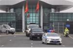 Video: Cảnh sát hộ tống 5 xe chở thiết bị bảo vệ Tổng thống Mỹ ở Hà Nội