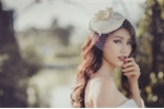 Chế Nguyễn Quỳnh Châu hóa thân thành cô dâu quyến rũ