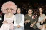 BTC Tuần lễ thời trang: Nhiều sao Việt mặc lố, thiếu văn hoá xem show
