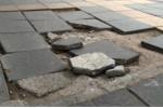 Ảnh: Vỉa hè Hà Nội lát đá độ bền 70 năm mới dùng vài tháng đã vỡ nát