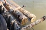 Chở gỗ lậu bị phát hiện, lâm tặc nhấn chìm hai ghe gỗ