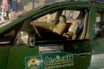 Nhóm côn đồ chặn taxi chém hành khách, bắn tài xế