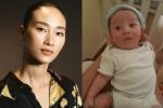 Trang Khiếu khoe ảnh con trai mới sinh cùng bạn trai ngoại quốc