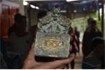 Clip: Nông dân đào đất, tìm thấy vật nghi ấn tín của vua gây xôn xao Nghệ An