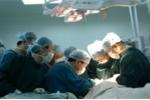 Video: Nhân viên nhà xác bệnh viện trộm mắt người chết đem bán
