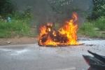Hà Nội: Đang lưu thông trên đường, Honda SH bỗng dưng 'bốc cháy'