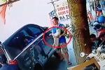 Tiện tay bắt trộm chó trong lúc mua bánh gai, quay lại trả sau 1 đêm bị dân mạng truy lùng