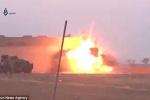Clip: Lính đánh bom liều chết IS nổ tung khi còn cách mục tiêu vài mét