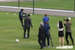 Công Phượng làm thủ môn, Phó Thủ tướng Vũ Đức Đam trổ tài sút bóng