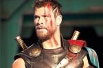 'Thần Sấm' Chris Hemsworth thưởng thức phở truyền thống Việt Nam