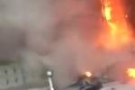 Clip: Cháy lớn thiêu rụi nhà sách trên phố Hà Nội