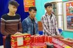 Bắt giữ 3 đối tượng vận chuyển pháo nổ vào Việt Nam