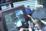 Video: Bắt 2 nữ nhân viên ngân hàng Eximbank liên quan vụ mất 245 tỷ đồng