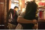 Mục sở thị quán 'cà phê ôm' đang hút khách ở TP.HCM