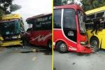 Hai xe khách đối đầu trên quốc lộ, hành khách phá cửa thoát thân