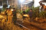 TP.HCM: Nhậu say, 'ma men' ngồi giữa đường ray bị tàu hỏa đâm chết