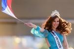 Đang diễu hành, Hoa hậu Hoàn vũ làm vỡ vương miện 6 tỷ đồng