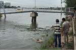 Thi thể người đàn ông nổi trên sông Sài Gòn
