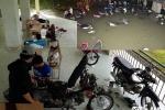 Đội quân 'soái ca' cứu hàng loạt xe chết máy làm ấm lòng người Sài Gòn
