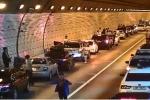 Ngỡ ngàng với điều người Hàn Quốc làm khi xảy ra tai nạn trong đường hầm