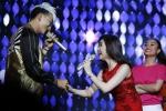 Hoà Minzy bị Khương Ngọc 'bắt nạt' trên sân khấu