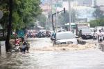 Ảnh hưởng bão số 10, Sài Gòn mưa lớn từ sáng đến trưa, giao thông tê liệt