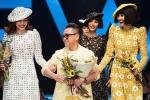 Sau 5 năm, Hồ Ngọc Hà nắm tay Thanh Hằng trình diễn thời trang trong show Công Trí