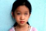 Bé gái bị bạn ném mù mắt, phụ huynh đòi đền bù 1 tỷ đồng