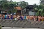 Video: Hàng trăm học viên cai nghiện hò hét trên quốc lộ ở Tiền Giang
