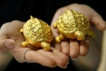 Giá vàng hôm nay 23/8: Chờ đợi trong tuyệt vọng, vàng 'bay' 80.000 đồng/lượng