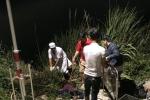 Ảnh: Người nằm la liệt dưới vực sâu sau tai nạn xe khách ở Kon Tum