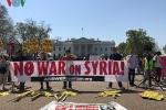 Người Mỹ biểu tình phản đối cuộc tấn công tên lửa vào Syria