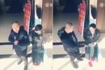 Phát hiện có camera an ninh, trộm tẽn tò trả lại điện thoại cho nạn nhân