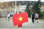 Người đẹp mang cờ đỏ sao vàng đến Nga: Mơ thấy tuyển Việt Nam dự World Cup