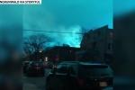 Bầu trời đêm New York chuyển sang màu xanh kỳ quái, dân nghi người ngoài hành tinh đổ bộ