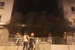 Cháy chung cư ở TP.HCM: Hít phải khói độc đối mặt với nguy cơ gì?