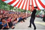 Ca sĩ Hoàng Hải cùng hàng nghìn sinh viên 'Nhảy vì người nghèo'
