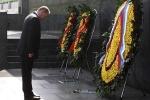 Ảnh: Tổng thống Putin viếng lăng Chủ tịch Hồ Chí Minh