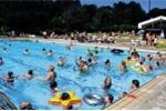 Trung bình mỗi bể bơi công cộng có tới 60 lít nước tiểu