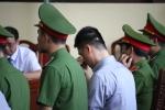 Clip: Chị họ bật khóc trước tòa, 'ông trùm' Phan Sào Nam phản ứng ra sao?