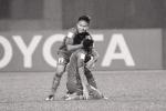 Tuyển thủ U23 Việt Nam nén nỗi đau mất người nhà, xả thân vì danh dự Tổ quốc