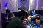 Hàng loạt đôi nam nữ dương tính ma túy tại phòng karaoke