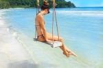 Diễn sâu tại bãi tắm có cây dừa đổ và xích đu cực chất, đẹp như nước ngoài