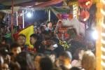 Video: Hàng ngàn người dự lễ hội rước 17 'ông lợn' nặng từ 150 - 250 kg ở Hà Nội