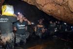 Cạn oxy trong hang, tạm dừng giải cứu đội bóng Thái Lan