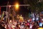 Hàng ngàn cổ động viên đất Tây Đô trắng đêm sau chiến thắng lịch sử của Olympic Việt Nam