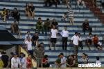 Ảnh: Nam Định bất lực trước Hà Nội, khán giả chán nản bỏ về